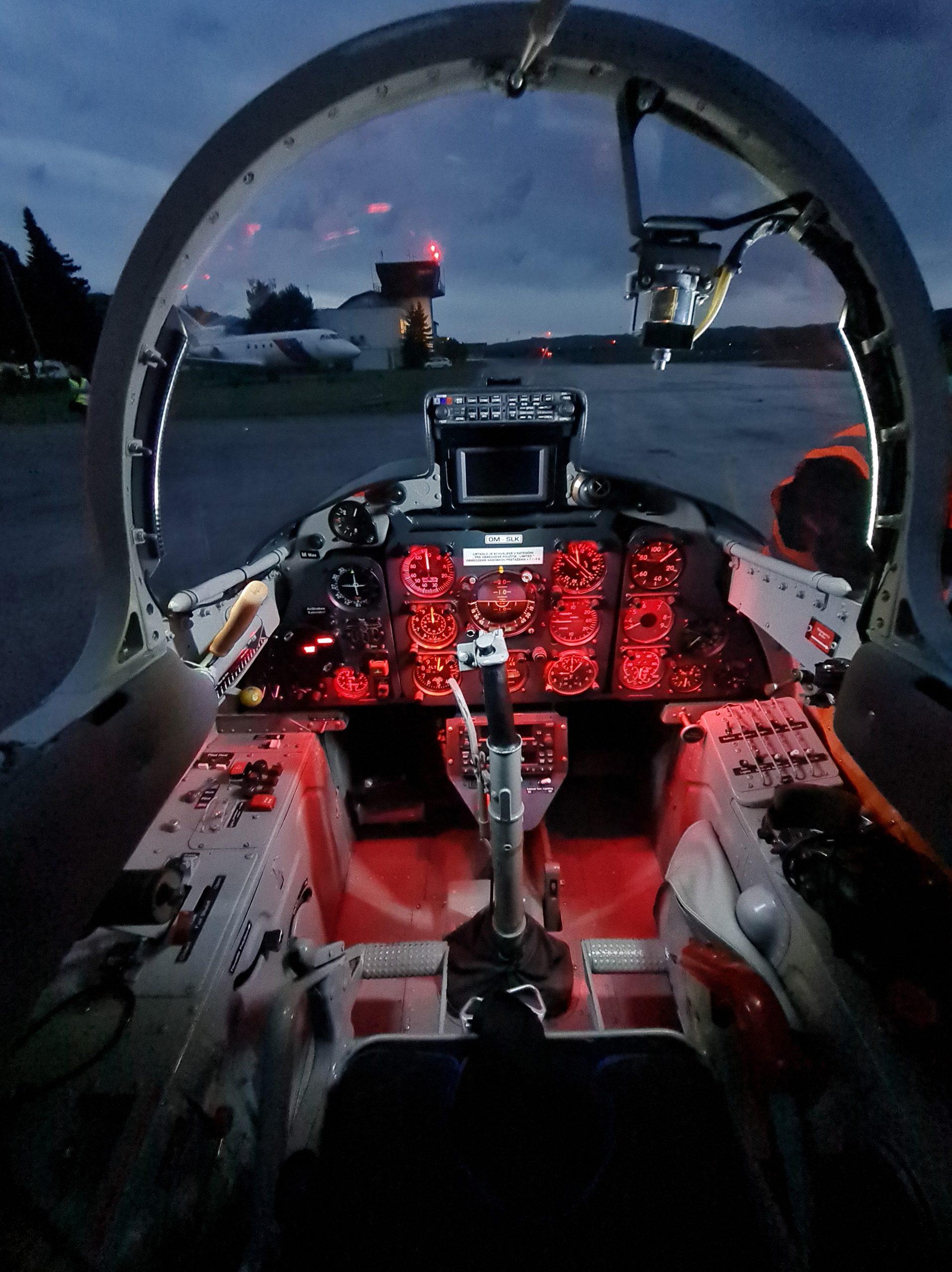 L-29, OMSLK cockpit
